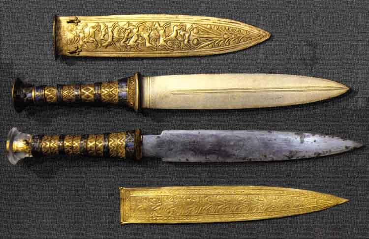 tutankhamun's bronze and iron knives 1