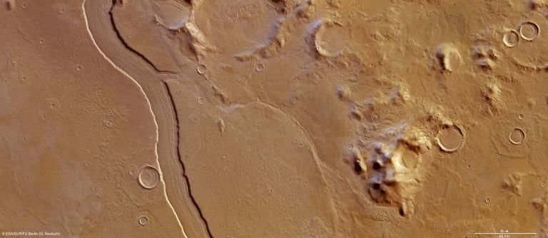 Mars_Express_HRSC_Upper-Reull-Vallis.jpg