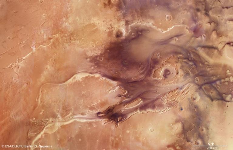 Mars_Express_Kasei_Valles_mosaic.jpg