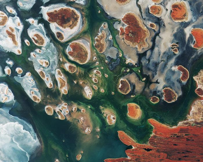 Lake_MacKay_Australia_node_full_image_2.jpg