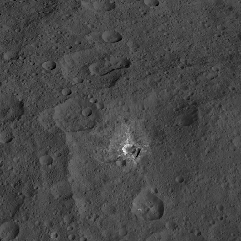 Oxo_crater.jpg