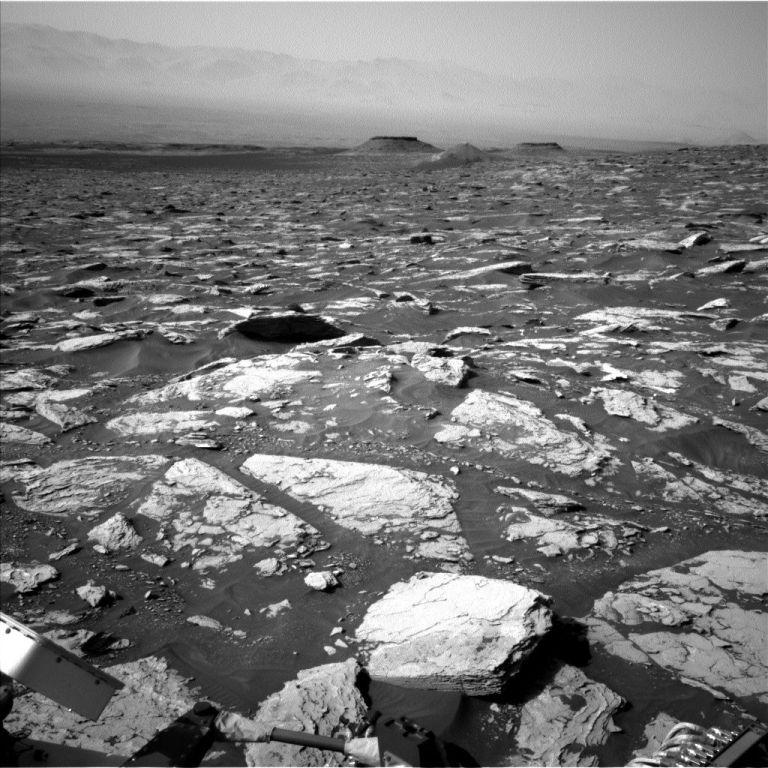 Curiosity-Navcam-Left-B-Sol-1721-June-9-2017.jpg