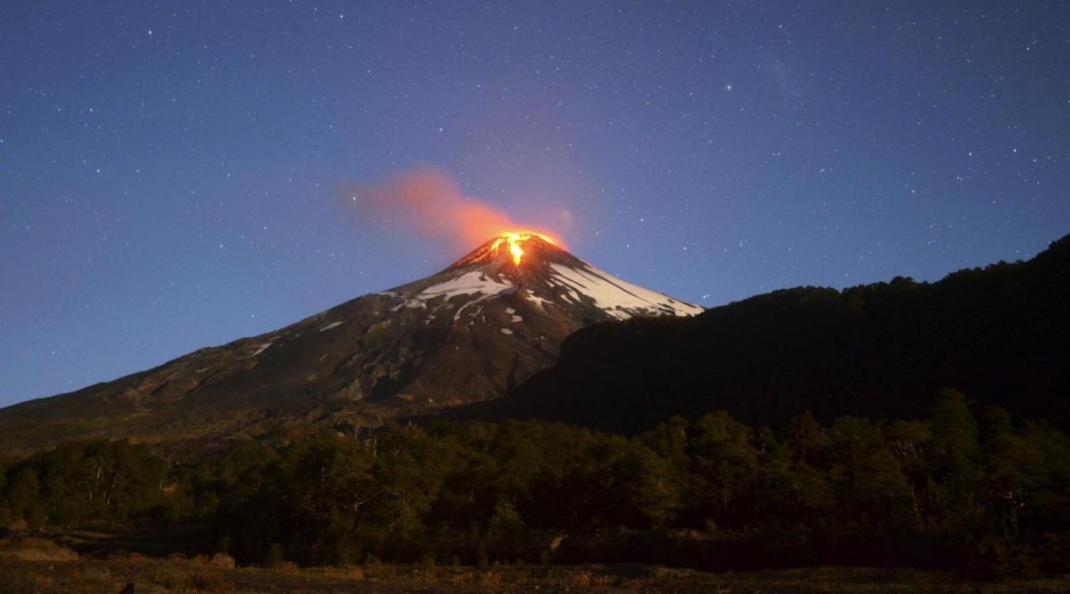 Quando i sussurri del vulcano annunciano le eruzioni
