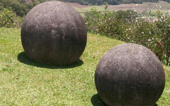 costa-rica-spheres.jpg
