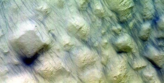 Dust_devil_tracks_on_Mars_node_full_image_2.jpg