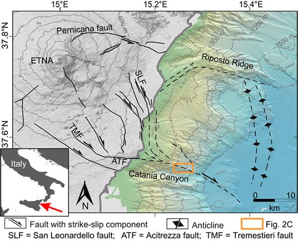 etna-scivola-01.jpg