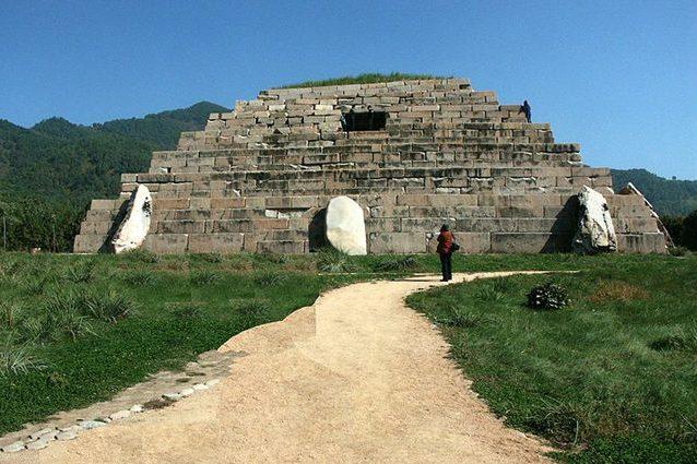 piramidecinese-638x425.jpg