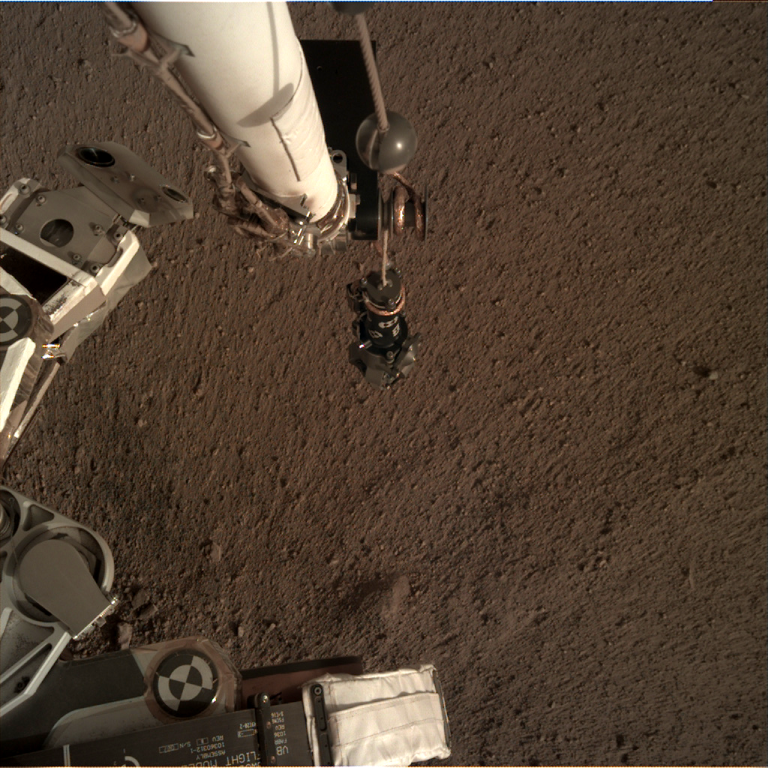 _mars.nasa.gov_insight-raw-images_surface_sol_0018_idc_D000M0018_598141400EDR_F0000_0488M_.PNG