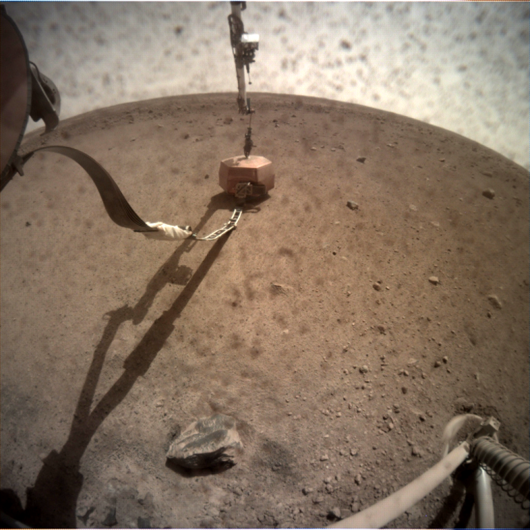 _mars.nasa.gov_insight-raw-images_surface_sol_0024_icc_C000M0024_598663096EDR_F0000_0559M_.PNG